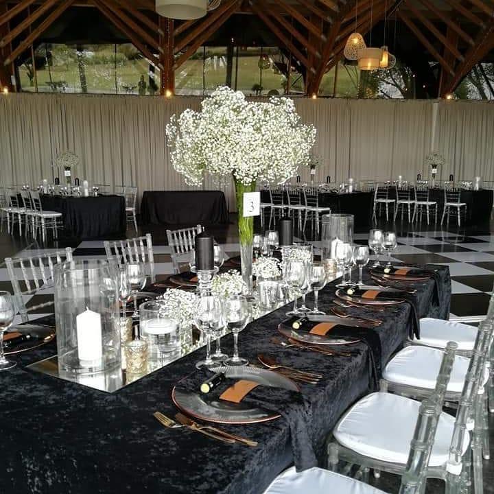 white-flower-arrangements-glass-candles