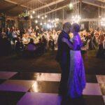 couple-purple-light-dancing