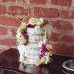 wedding-cake-flowers-table