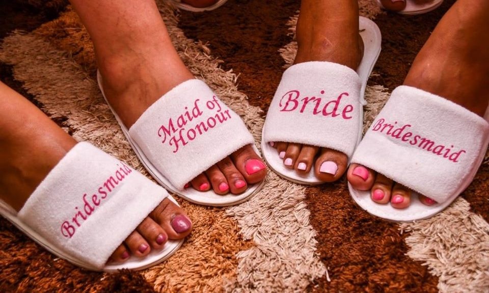 slipper-pink-white-toes