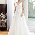 bride-wedding-dress-white-Alexandra-front