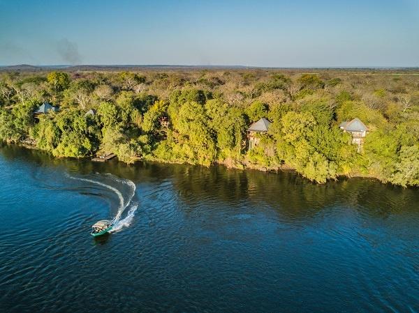 river-boat-cruise-bush