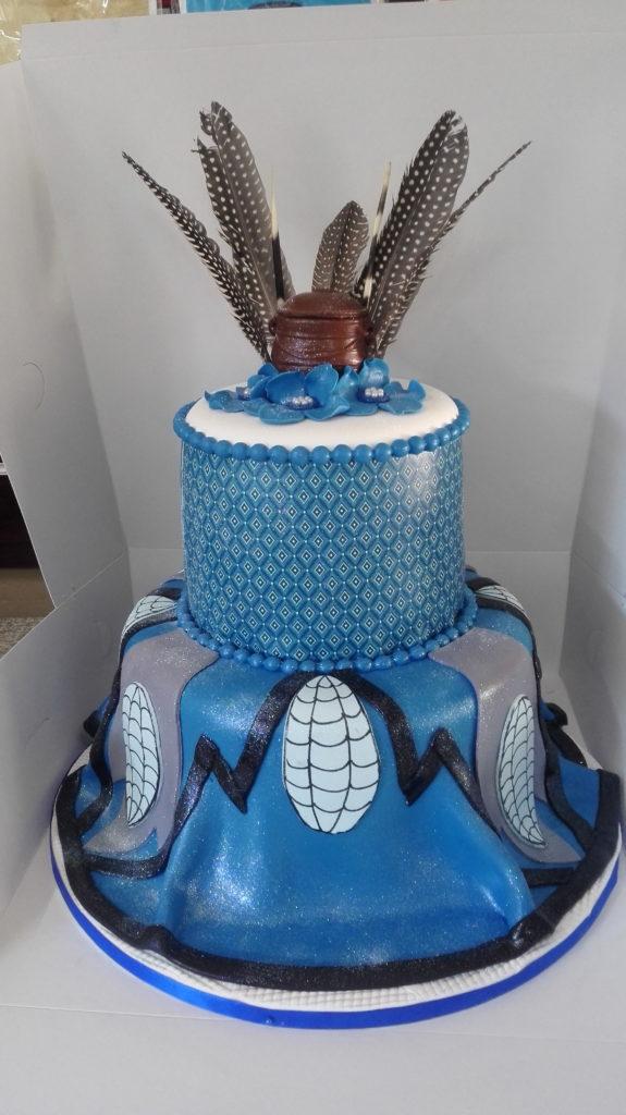 cake-blue-white-feathers