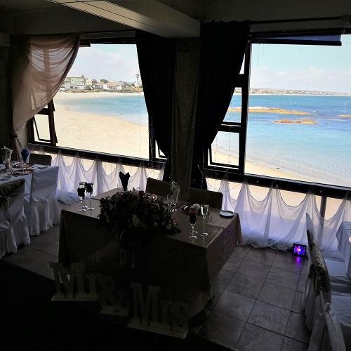 ocean-view-wedding-table-decor-5
