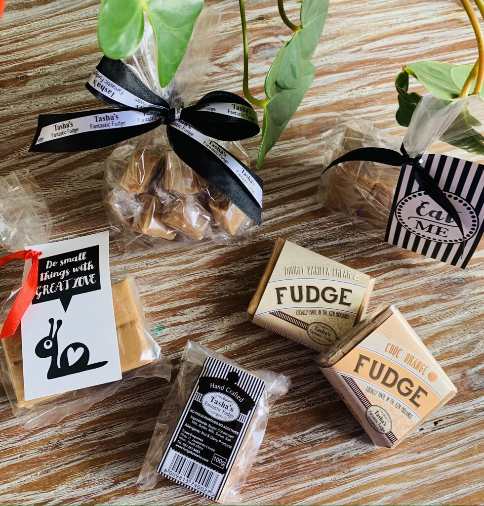 fudge-plant-table-ribbon-tashas